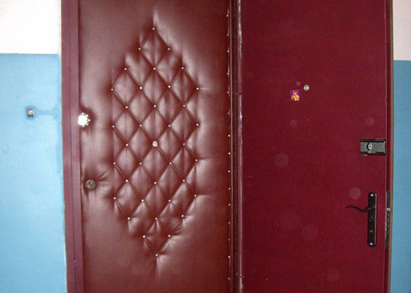 obshivka-dveri-dermatinom
